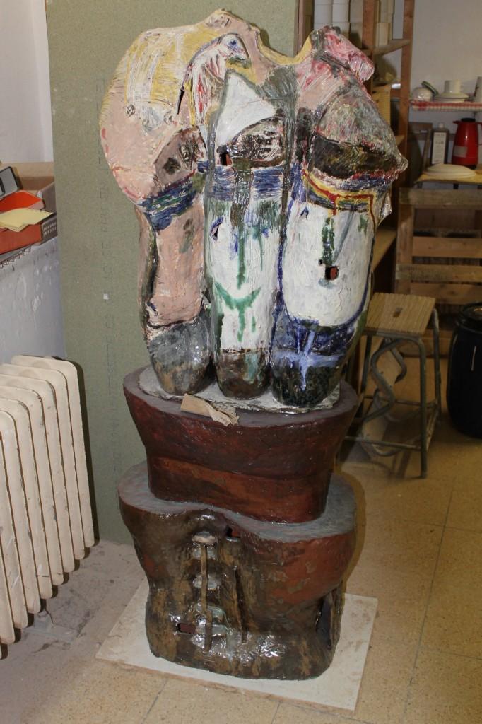 großformatige keramik plastiken